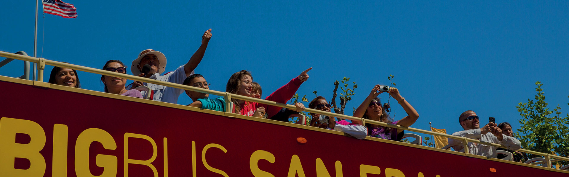 Open-top sightseeing Big Bus in San Francisco