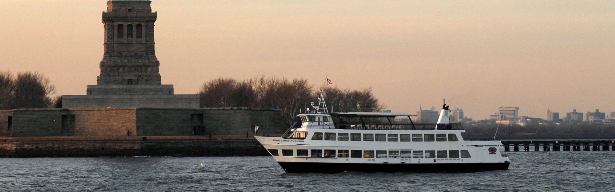 New York Downtown Loop + Statue of Liberty & Ellis Island Ferry