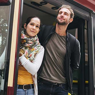 Couple hopping on Sydney bus tour