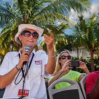 Un guía en directo del tour de Big Bus de Miami