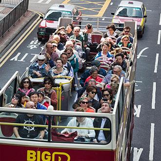 香港巴士游上的女孩