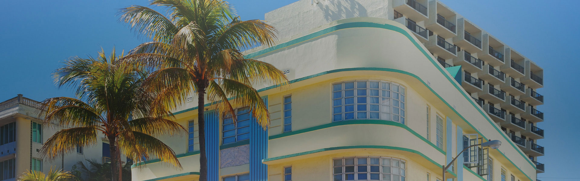 Edificio amarillo y azul Art Deco