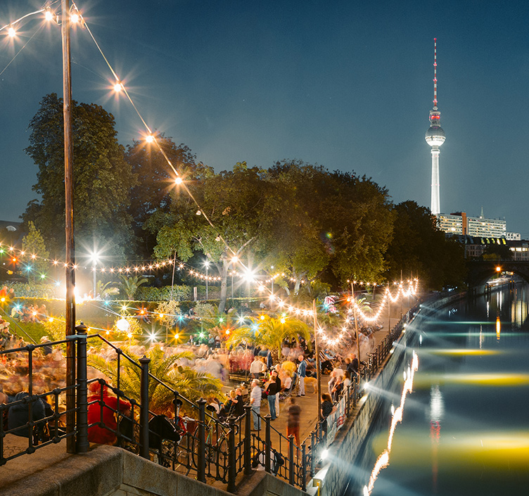 Nightlife along the river in Berlin