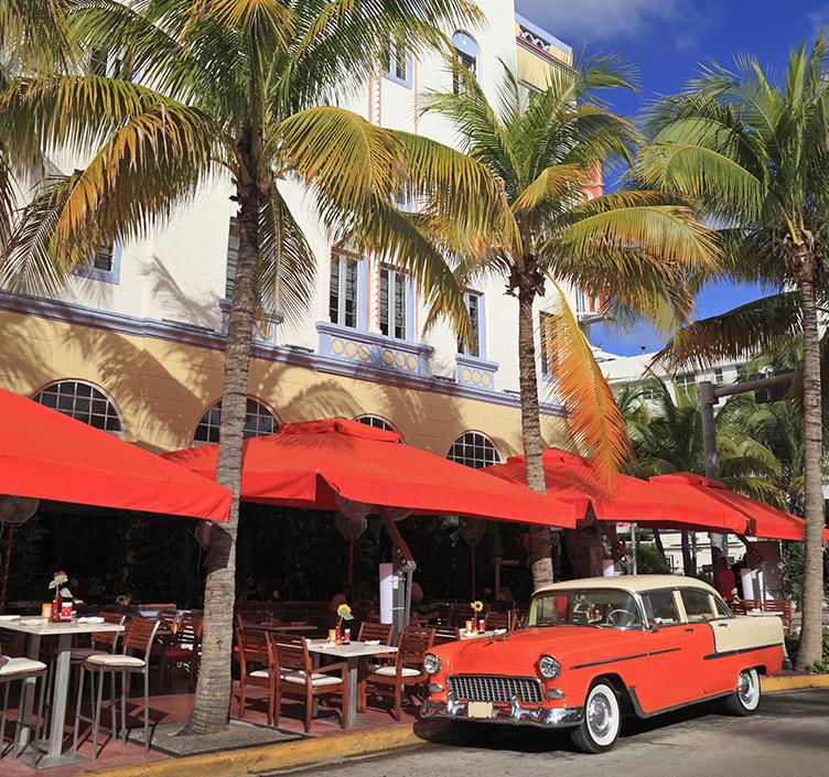 Restaurants on Ocean Drive, Miami