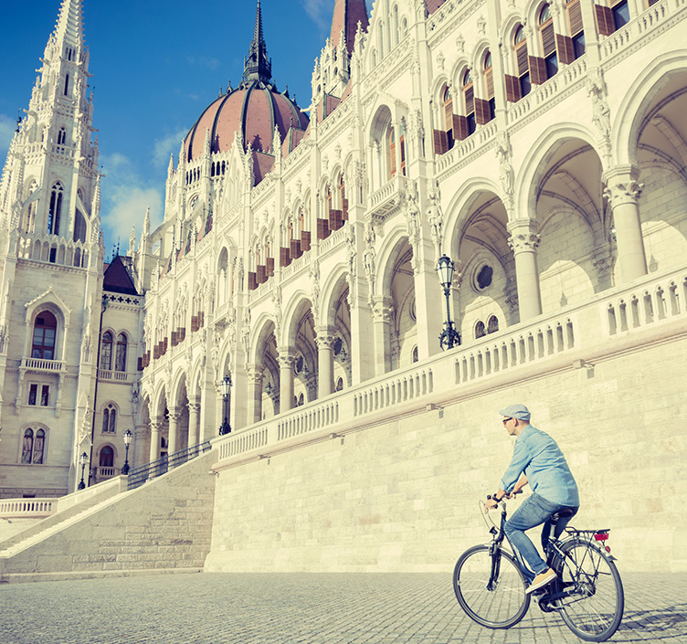 Cyclist sightseeing in Budapest