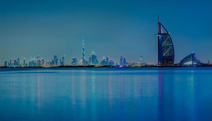 Kamel in Wüste von Dubai