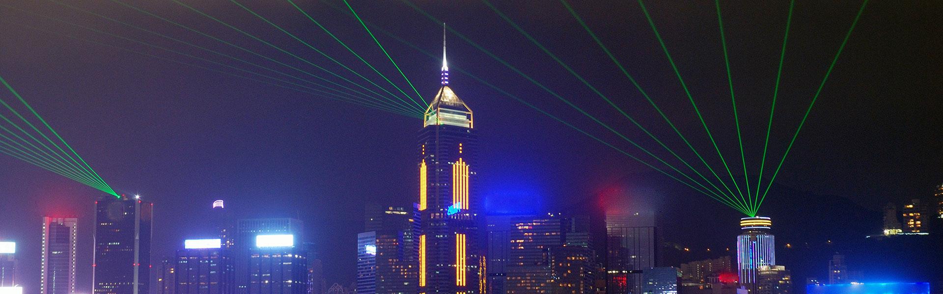 晚上的灯光演出与香港高楼美景