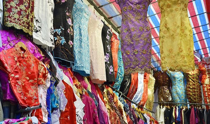 香港女人街的中式裙装