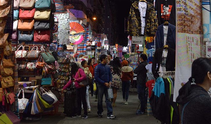Street market in Lan Kwai Fong