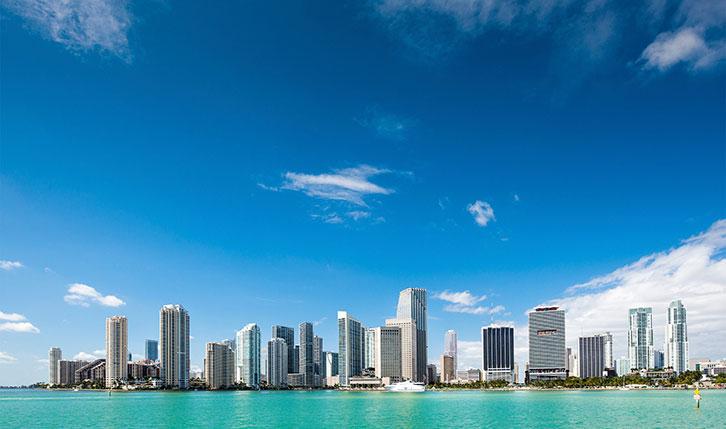 Silueta urbana del centro de Miami