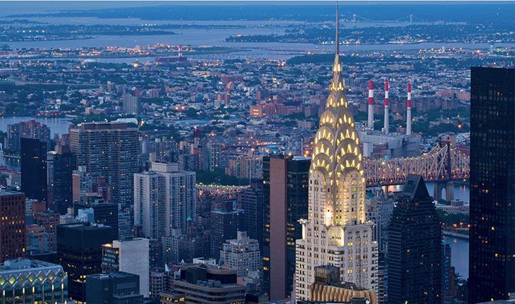 Chrysler Buidling in New York by night