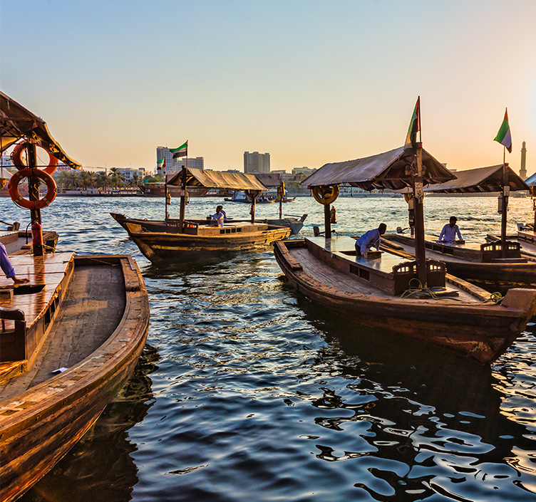 Abra Boote auf dem Dubai Creek