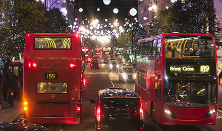 Oxford Circus in London bei Nacht