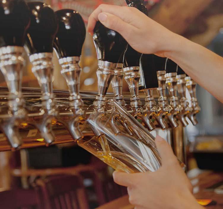 Pulling a pint in a Philadelphia bar
