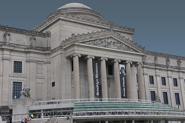 Pase una noche en el museo