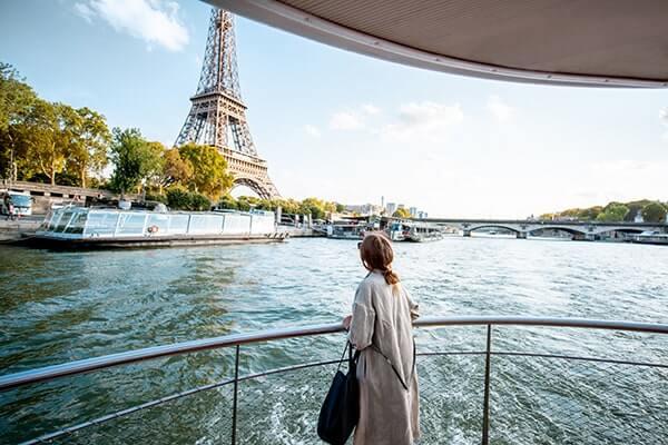 Cruise along the Seine