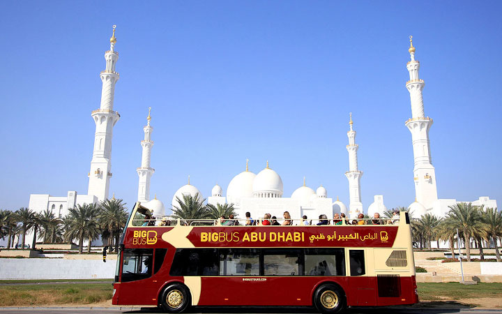 View of Big Bus in front of Sheikh Zayed Grand Mosque
