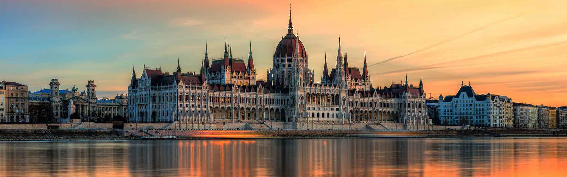 Budapest Parliament Sunset Big Bus Tours