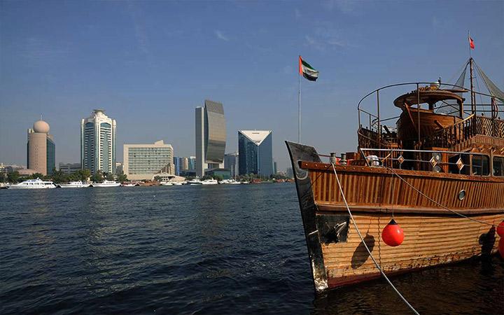 Dhow boat cruise Dubai