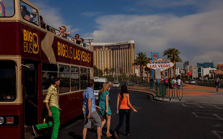 Passengers hop off at iconic Las Vegas sign