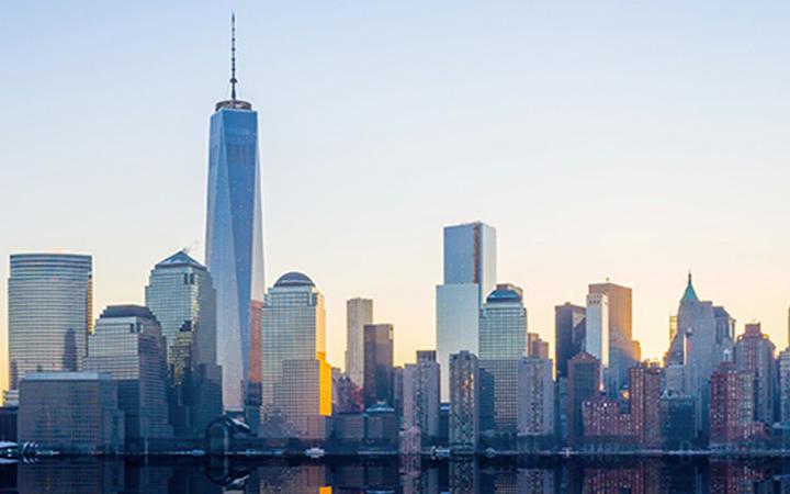One World Trade Center and Manhattan skyline