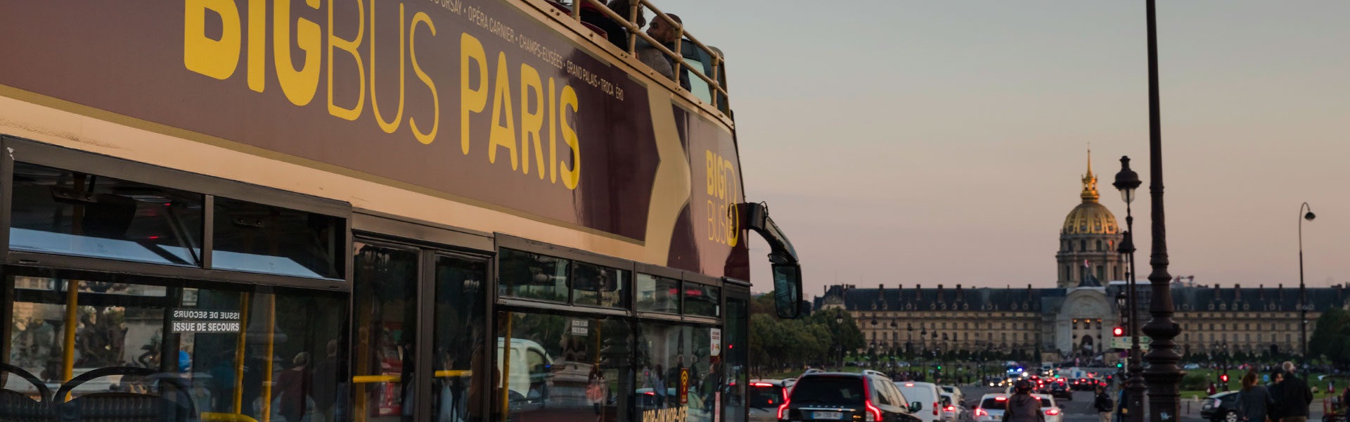 Big Bus Tours Paris approaching Les Invalides
