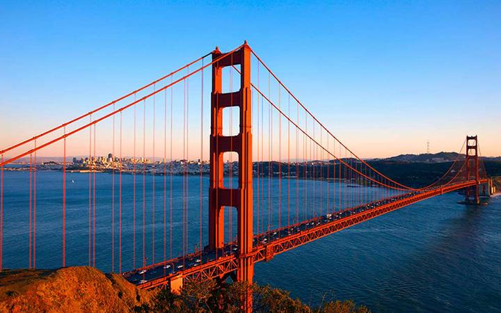 Golden Gate Bridge in San Francisco sunset
