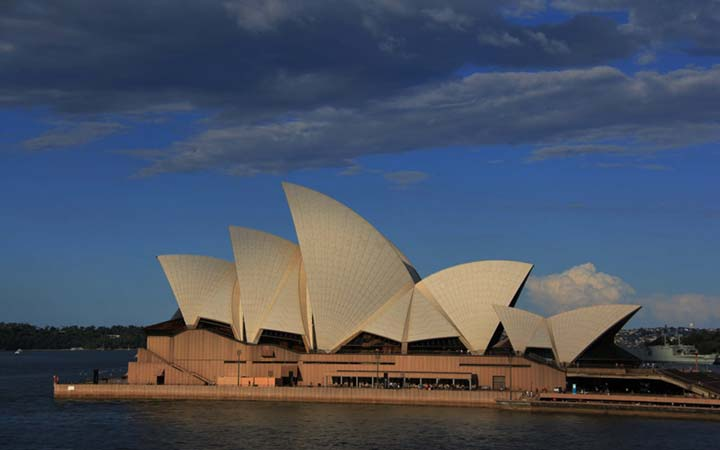 View of the Sydney Opera House at dusk